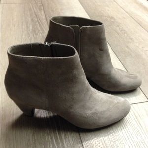 Shoes - Size 9 suede grey boots. Never been worn!!